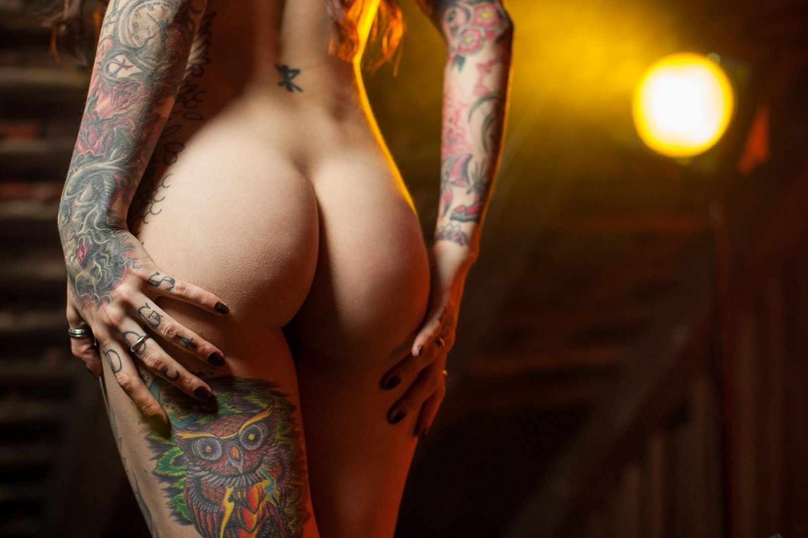 Very tattooed naked girl