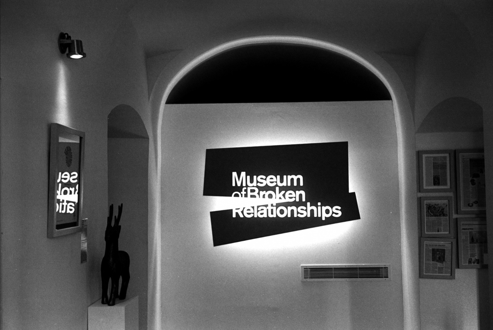 Zagreb, Museum of Broken Relationships - interior (source: Flickr)