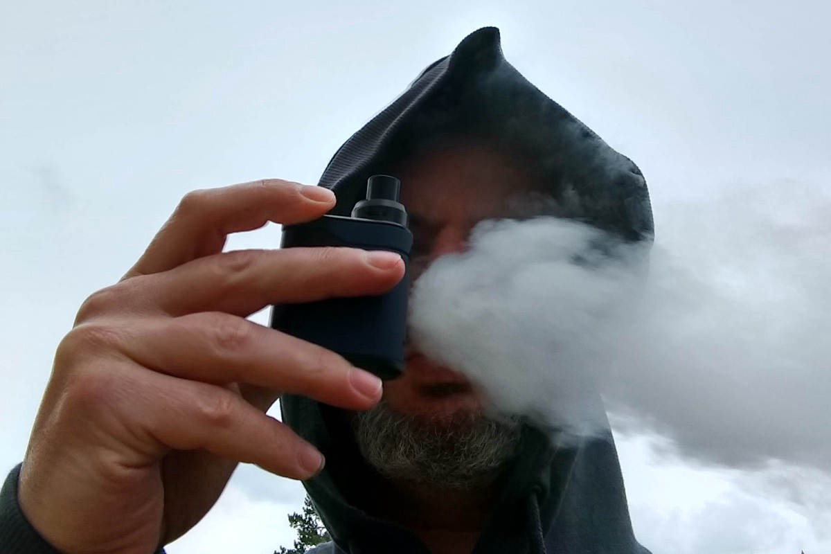 Innokin Pocketbox Review Being Used