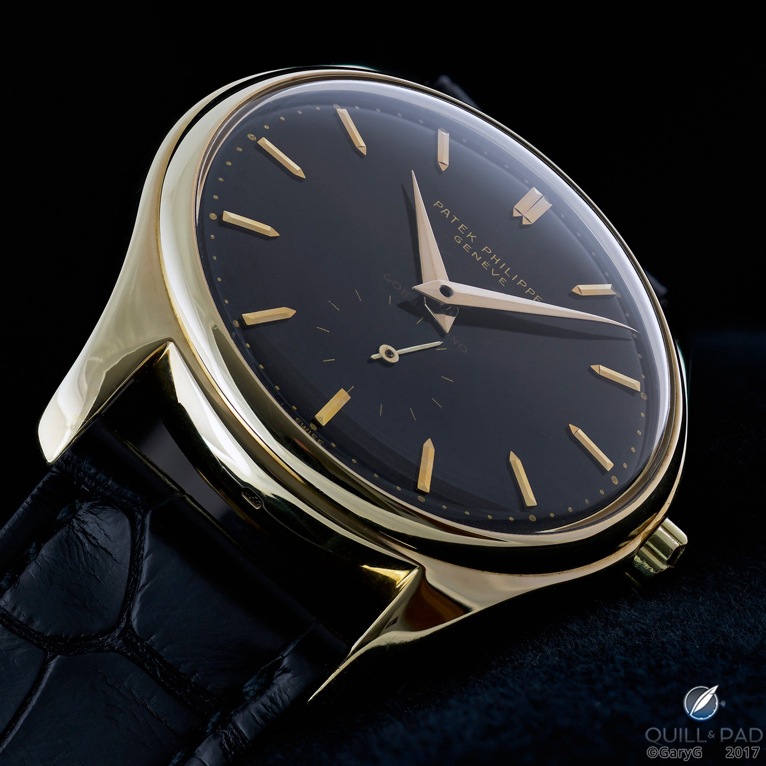 Striking colors: Patek Philippe Ref. 2526 in yellow gold with black enamel dial