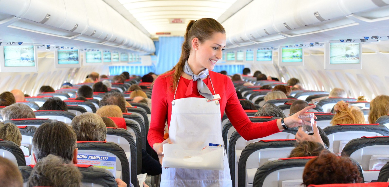 Long Haul Flight tips: A stewardess