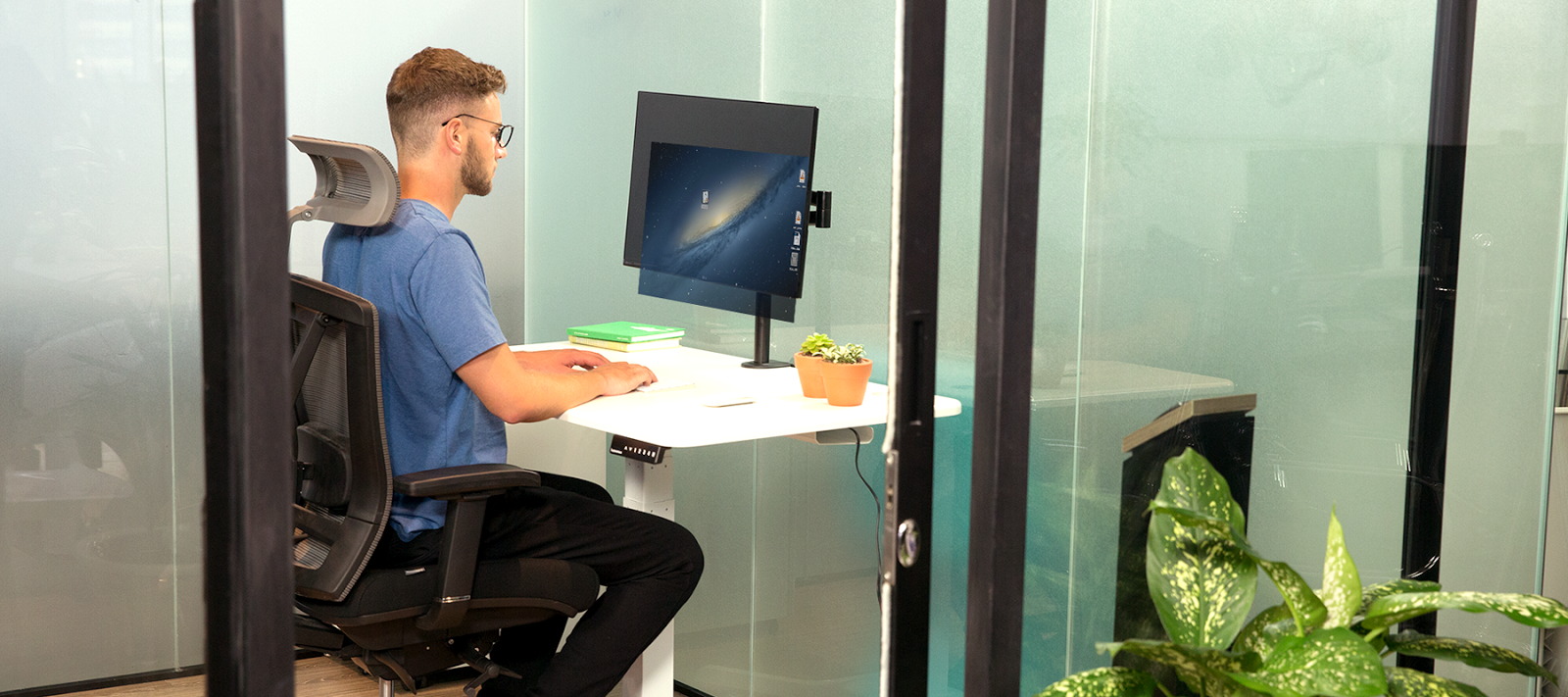 sit to stand smartdesk studio