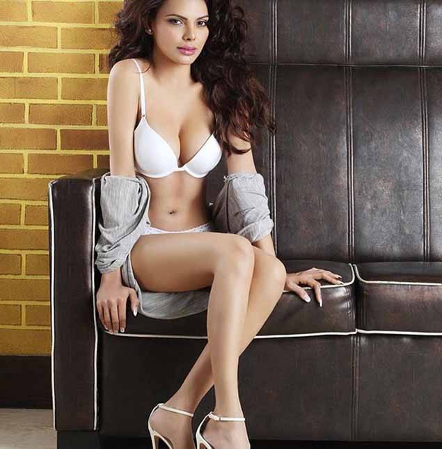 photo Sherlyn Chopra 1_zps7osuholf.jpg