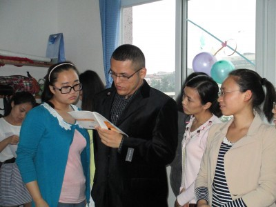 Valadez ran the Creative Writing Club at Neijiang Normal University for a year and a half, which focused on creative writing and performance.