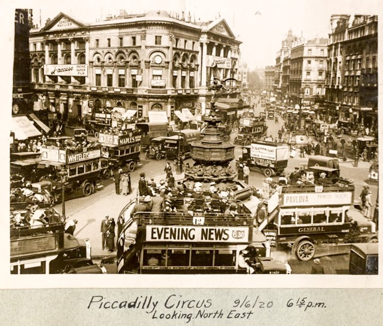 Piccadilly Circus, 1920