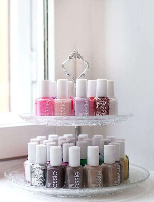 using cake stand for your nail polish collections