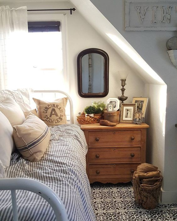 Decor items to makeover your old bedroom : 8 tips to enhance your bedroom