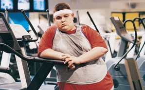 Everybody at gym proud of fat guy exercising u comedy corner u medium