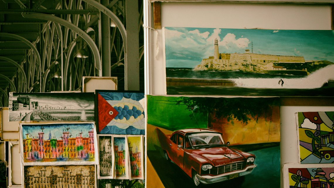 Where can you buy souvenirs and preserve your memories of Havana?
