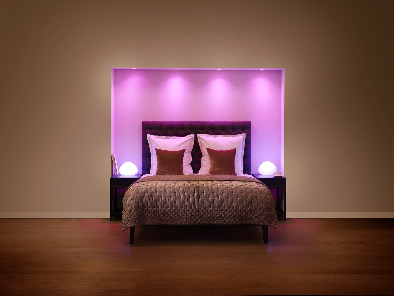 philips hue ideas to make your room dope dike musk medium. Black Bedroom Furniture Sets. Home Design Ideas