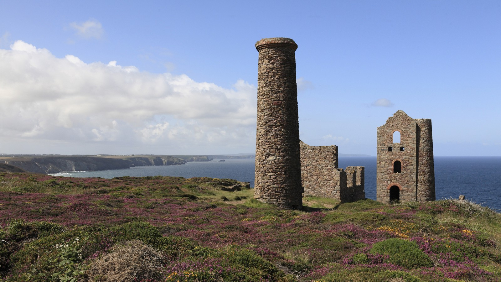 Ruin of Wheal Coates Tin Mine, near St. Agnes in Cornwall, England