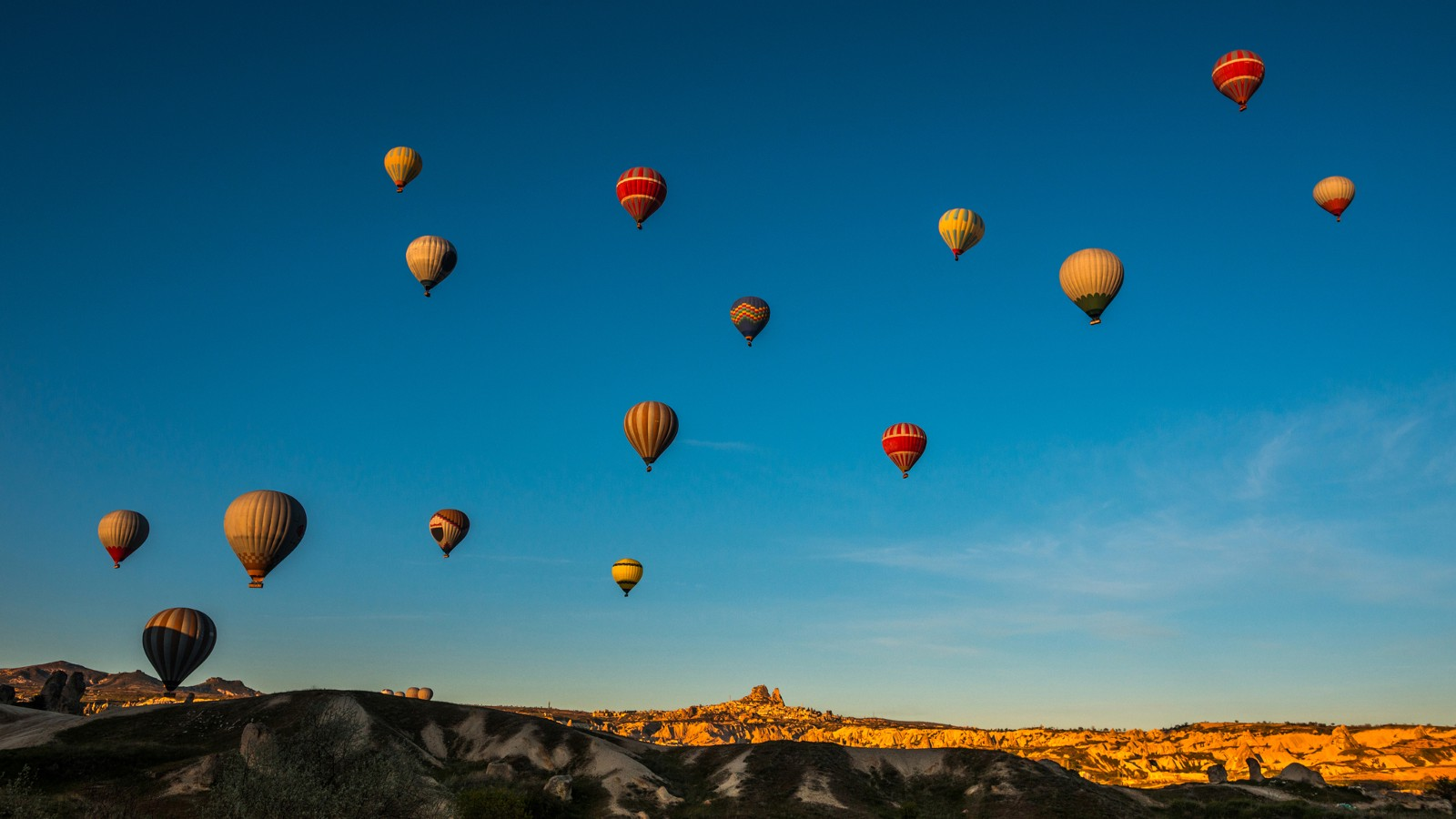 Balloons fly over Goreme, Turkey