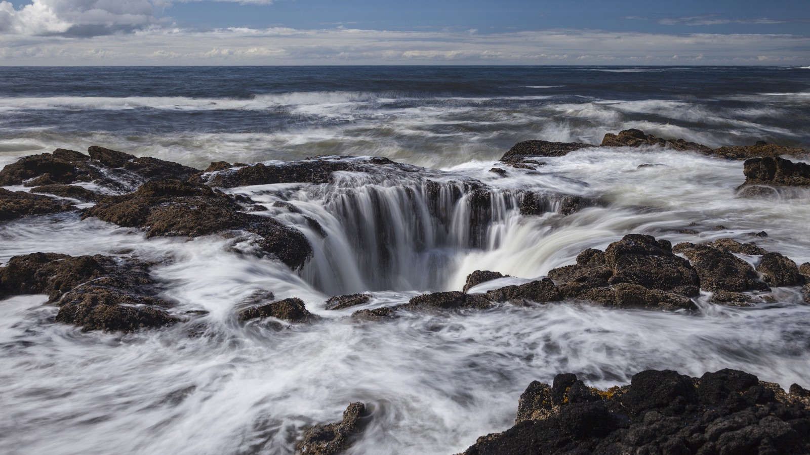 Thor's Well at Cape Perpetua Scenic Area, Oregon