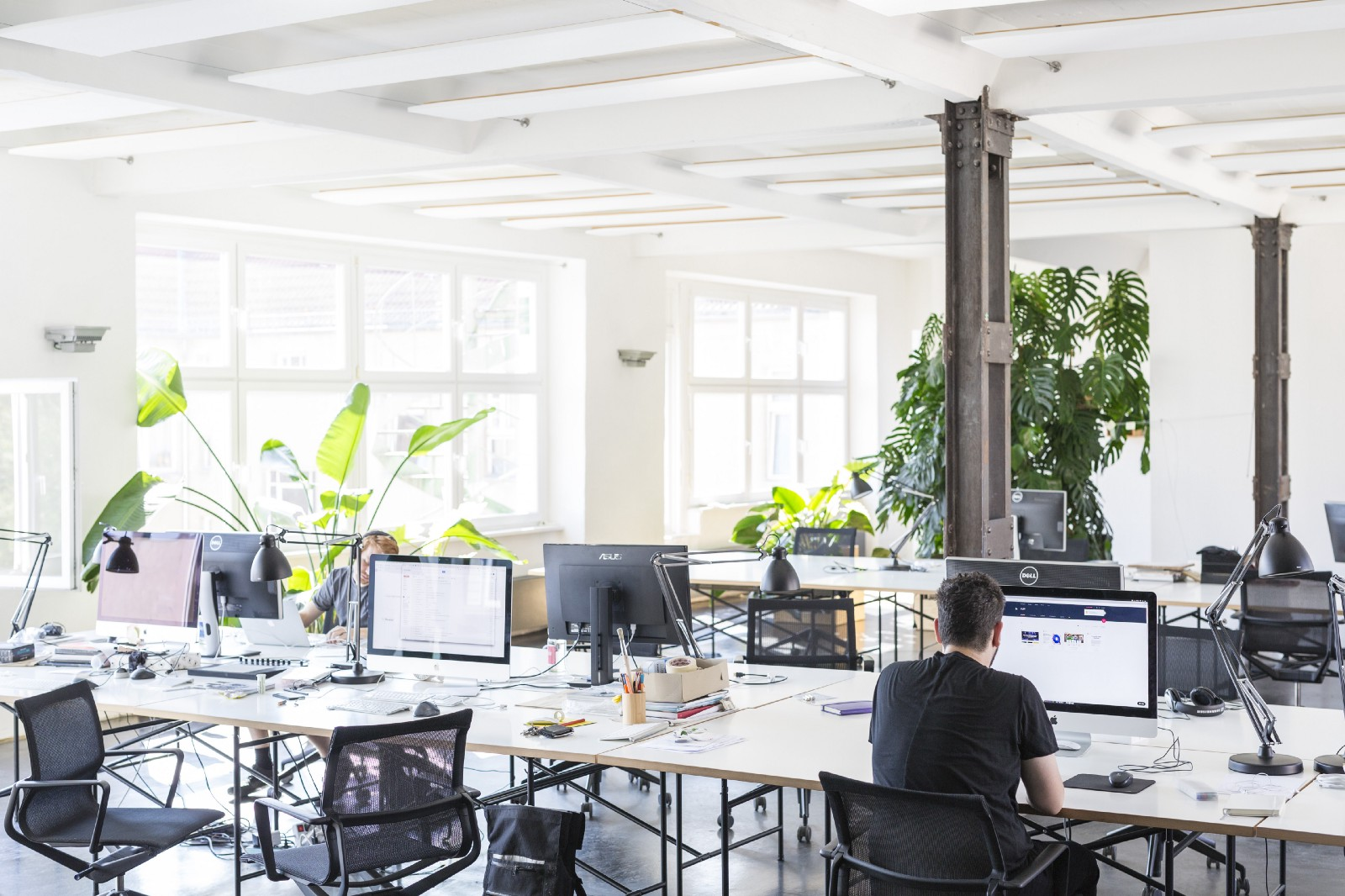 The Ideal Desk Layout For Open Plan Offices A Color