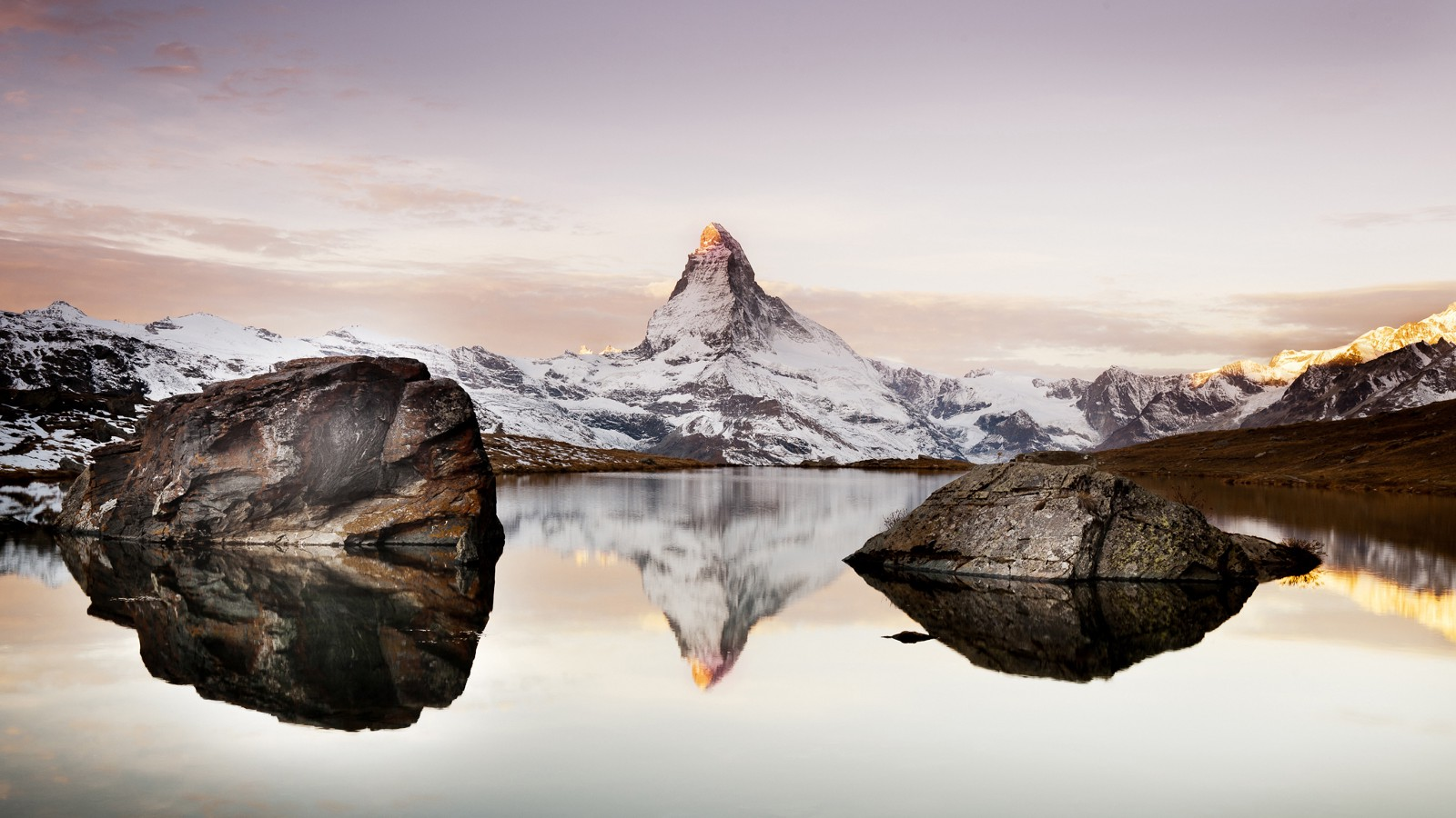 Stellisee Lake in Zermatt, Switzerland