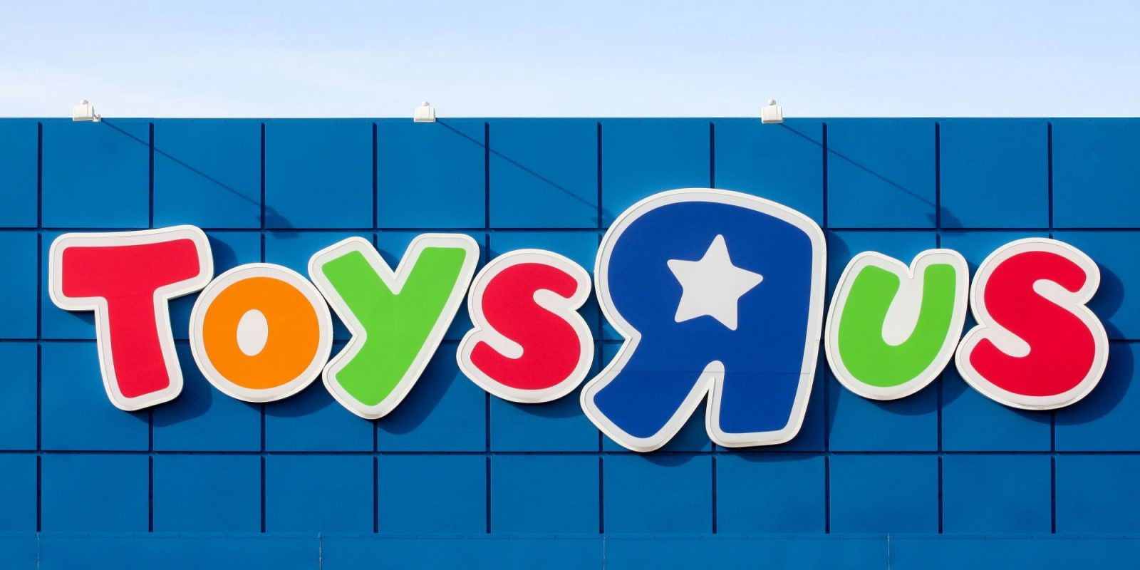 Walmart, Target and Bed Bath & Beyond Should Rise From Toys R Us\' Demise
