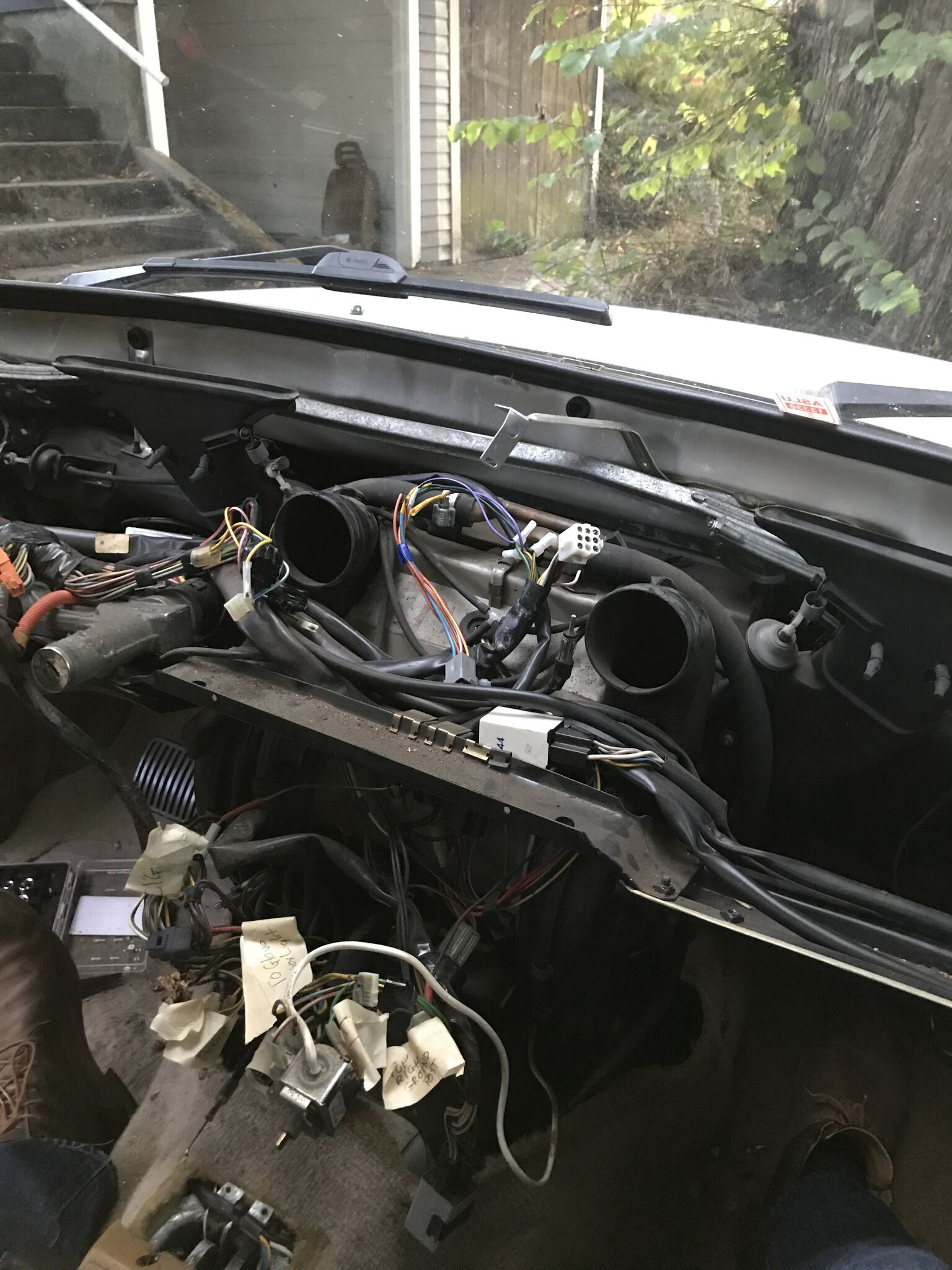 I Replaced The Blower Motor In My 1990 Volvo 240 Dl 1984 Radio Wiring Schematic Removing Dash And Center Console Is Just Beginning