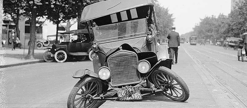 The First Commercial Automobile Sold In United States Bicyclist Suffered A Broken Leg And Wells Spent Night Jail Recording