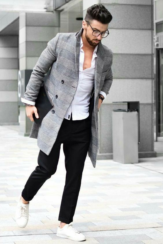 3af6d588bf5 Smart casuals give you an opportunity to wear denim with a sporty coat. You  can wear khakis trousers