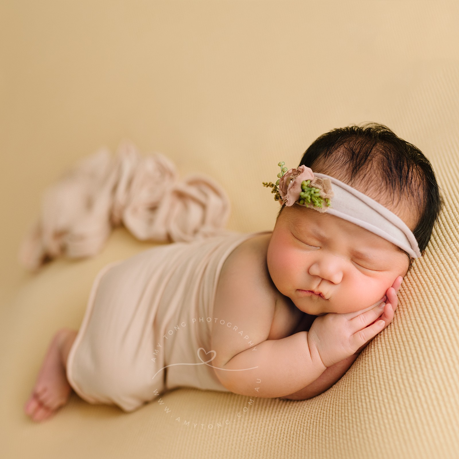 Newborn photography is a very specialised area for the best photos of your precious baby be sure to choose the right newborn photographer with lots of
