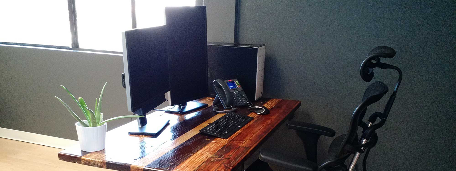 stand up computer desk