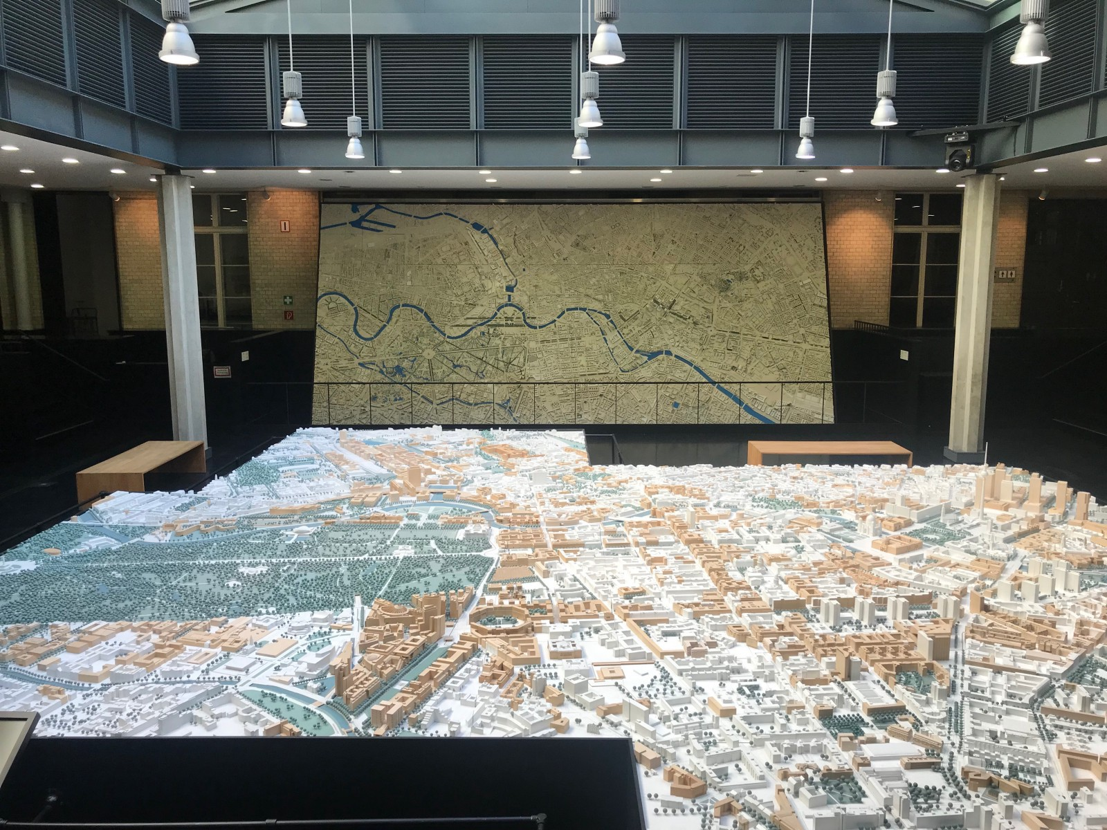 A 1:500 scale model of inner city Berlin in the foreground, and a 1:1000 scale larger area of Berlin in the background.