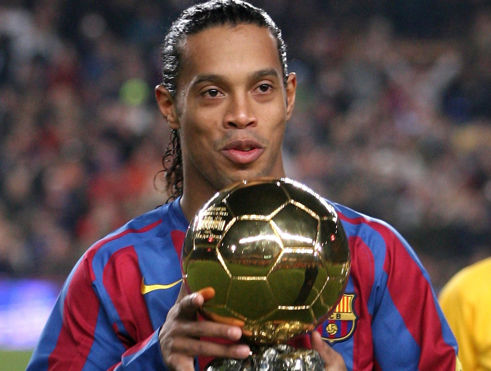 Ronaldinho — A Retrospective Look At the Flawed Legend