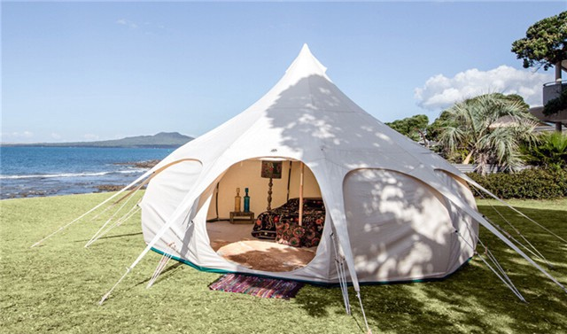 This tent looks like the circus one. Spacious room and PVC windows ensure the cozy. 5. & 8 Tents That Are Too Creative For Camping You Never Know