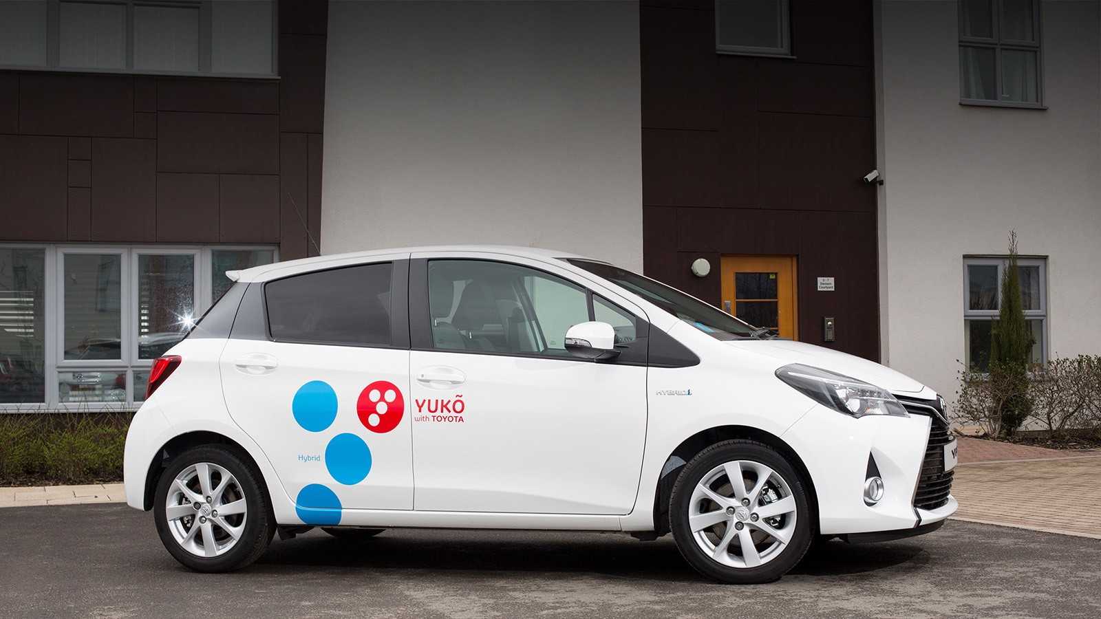 toyota launches hybrid car sharing in ireland and italy and other news
