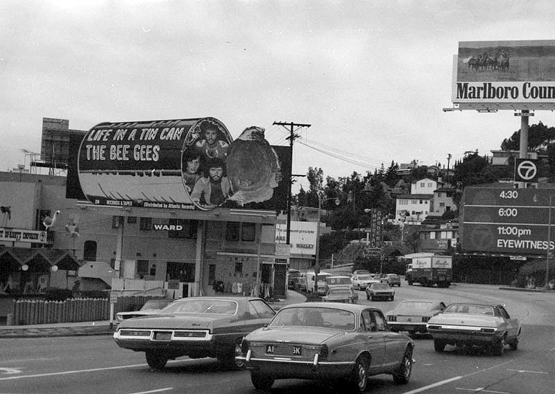 These photos of the bonkers sunset strip are a content - Architecture interieurs contemporains sunset strip ...