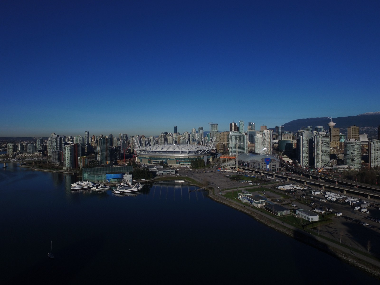 the pros and cons of vancouver canada