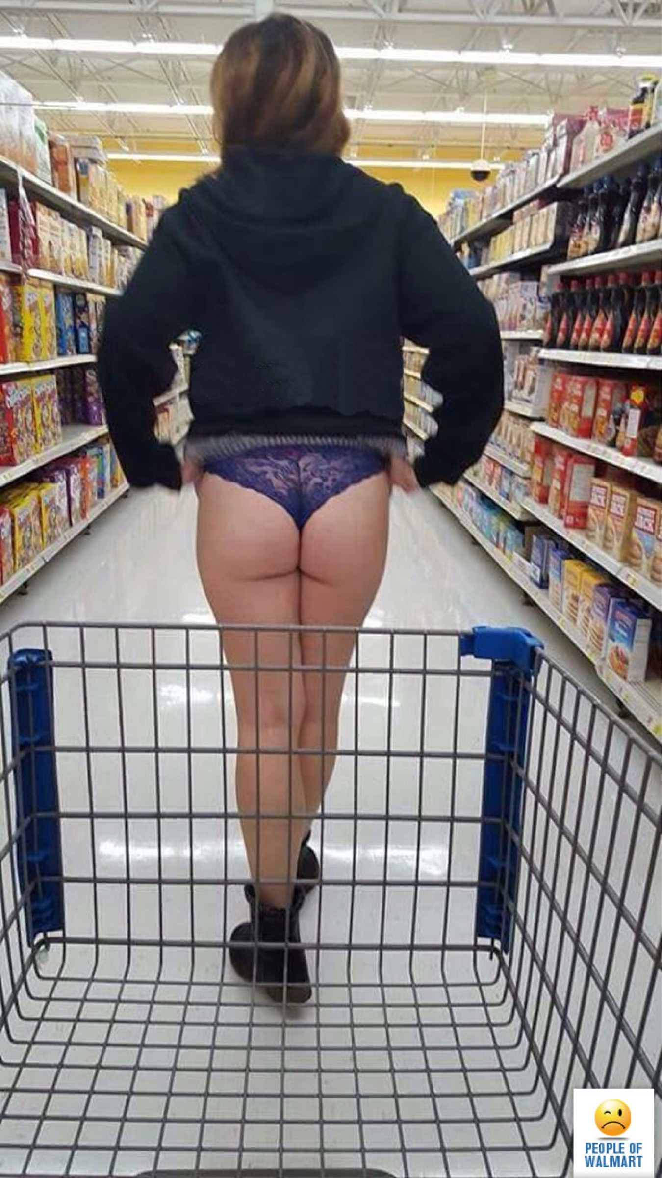 6c8c44d4bfc3 You can carry guns into Walmart, but pants are optional. Got it.