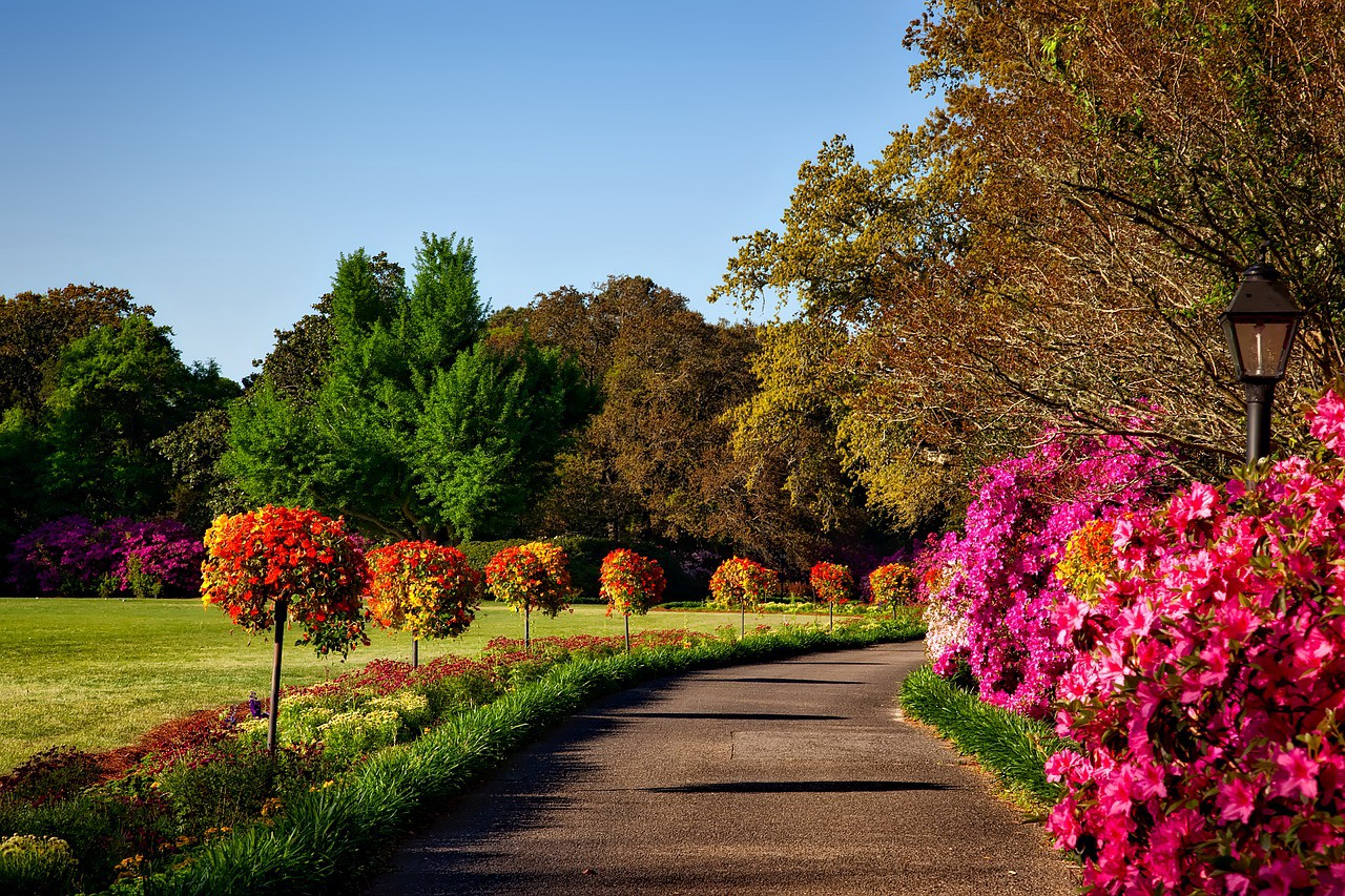 Enjoy an Autumn getaway to Bellingrath Gardens and Home in Mobile ...
