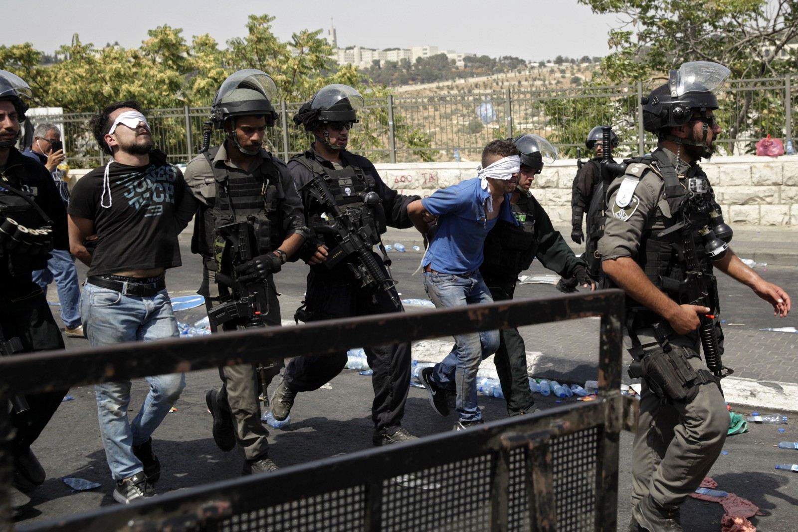 Israel begins removing metal detectors from Al-Aqsa compound: director