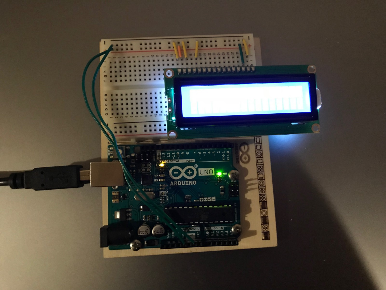 How To Make A Digital Voltmeter Using Arduino Freecodecamporg Wiring Diagram Charging System In The Lcd Lights Up