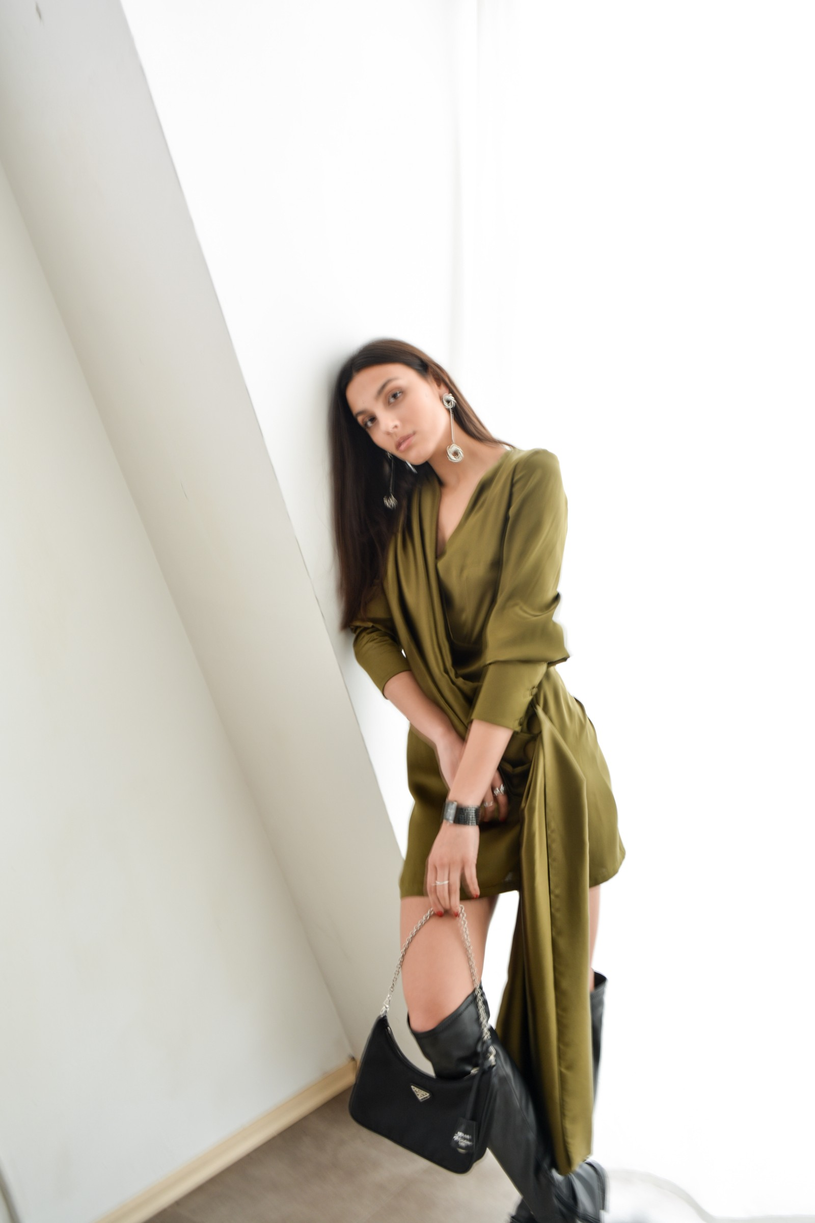 Olive green mini satin dress with side tail - Bastet Noir