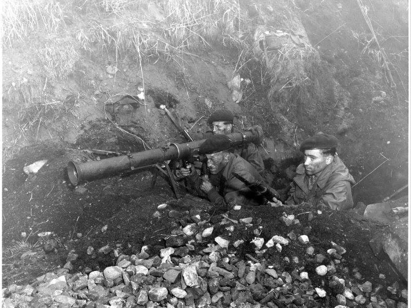 2 marines rail a chick - 5 4