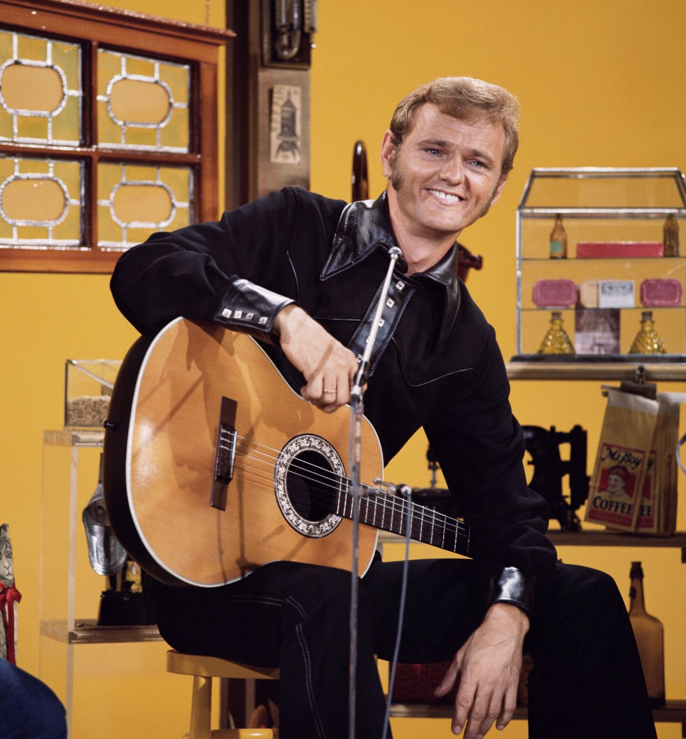 c2957f604d33e ... musician Marlon Hargis grants a comprehensive interview exploring the  eclectic artistry of Country Music Hall of Fame Veterans Era inductee Jerry  Reed.