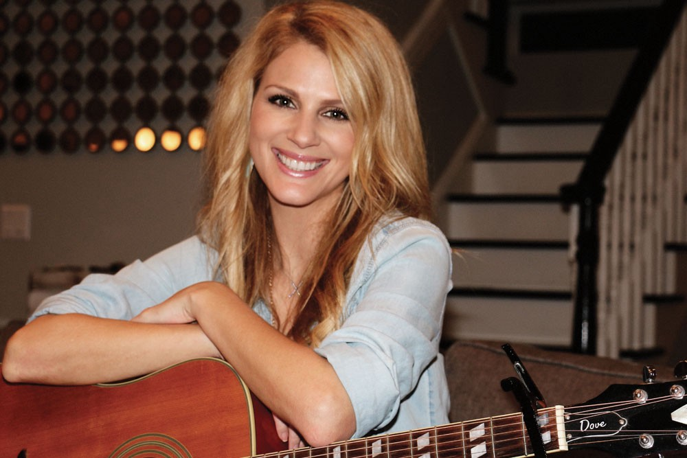 Epiphone Dove acoustic guitar slinger-songwriter-vocalist Jennifer Wayne  was born on April 1, 1982, three years after her grandfather John Wayne's  prolonged ...