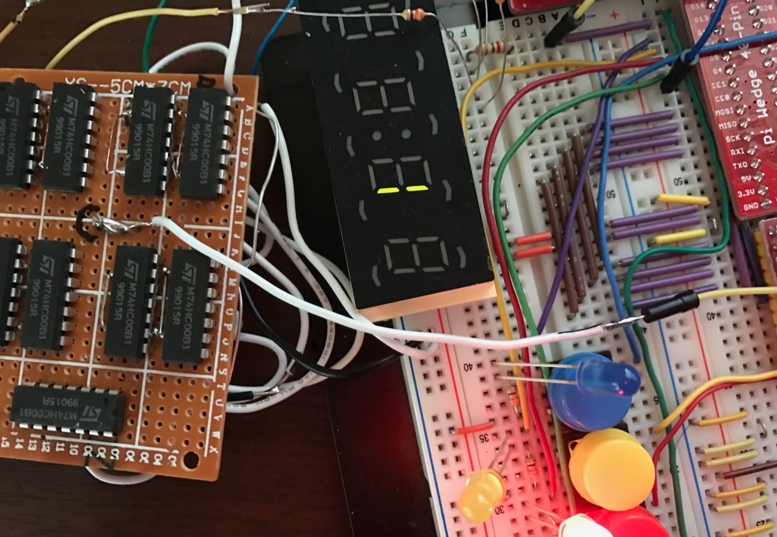 Building A 4 Bit Shift Register From 7400 Nand Gates For Gpio Output 7 Segment Decoder Logic Diagram The Vertical Segments Are Lit Up In Bouncing Pattern