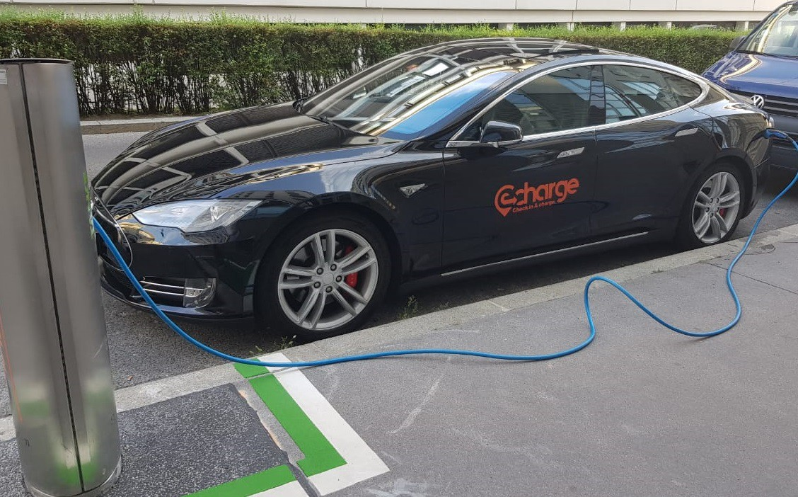 The Netherlands Will Completely Switch To Electric Vehicles In 2030 Tesla Offices Shopping Malls Parking Lots And Other Customer Friendly Locations Echargework Provides For His Partners An Excellent Car