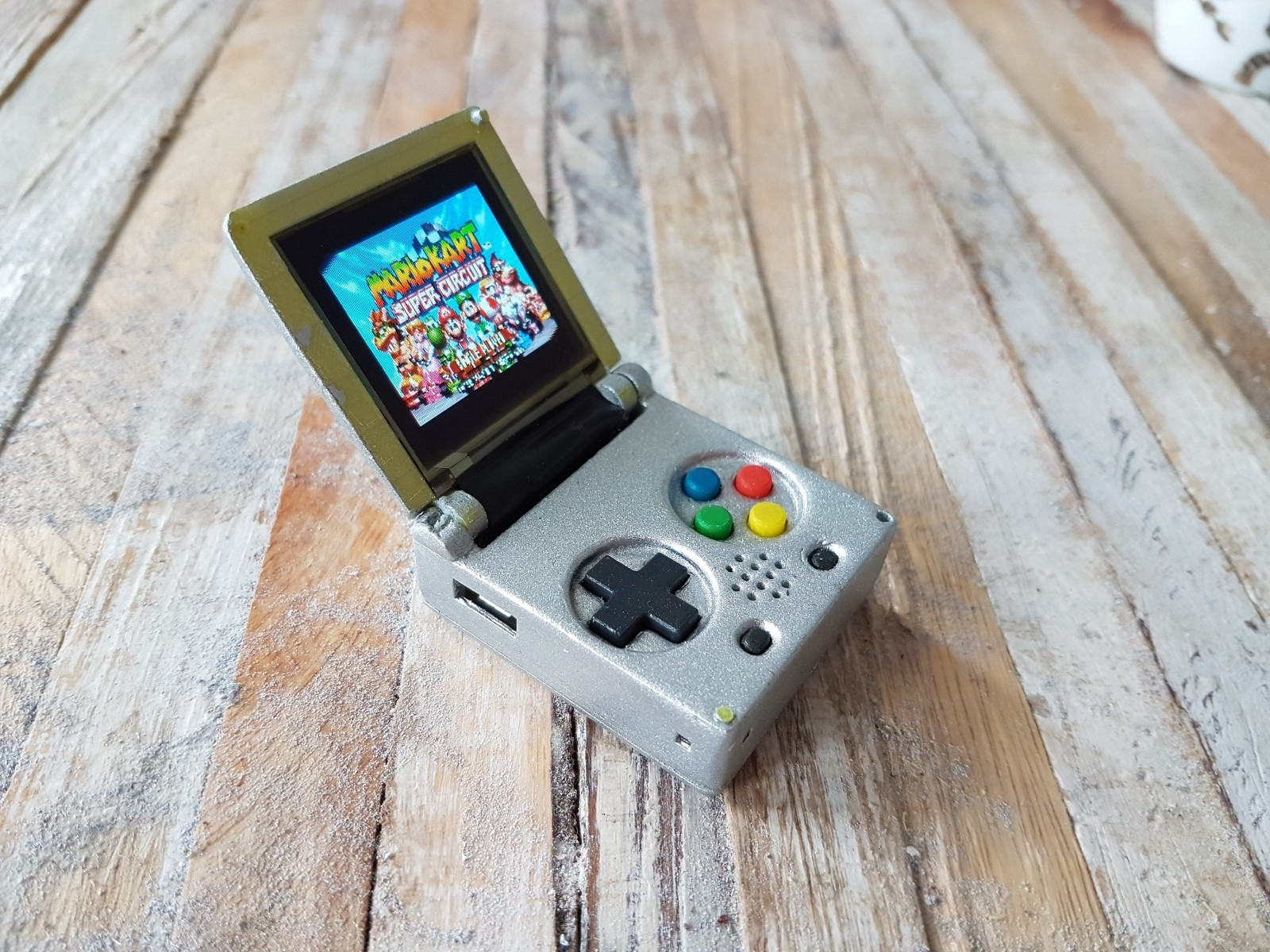 Gameboy color emulators - Buso After Seeing Another Tiny Game Boy Device Decided To Make His Own With Several Improvements First Instead Of Using A Raspberry Pi