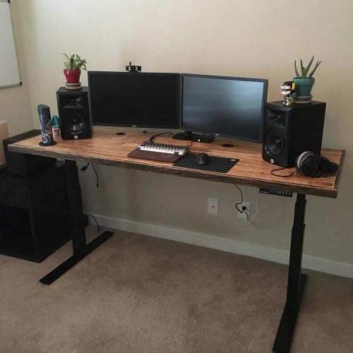 Why a height adjustable standing desk is the best kind to have - Image 3