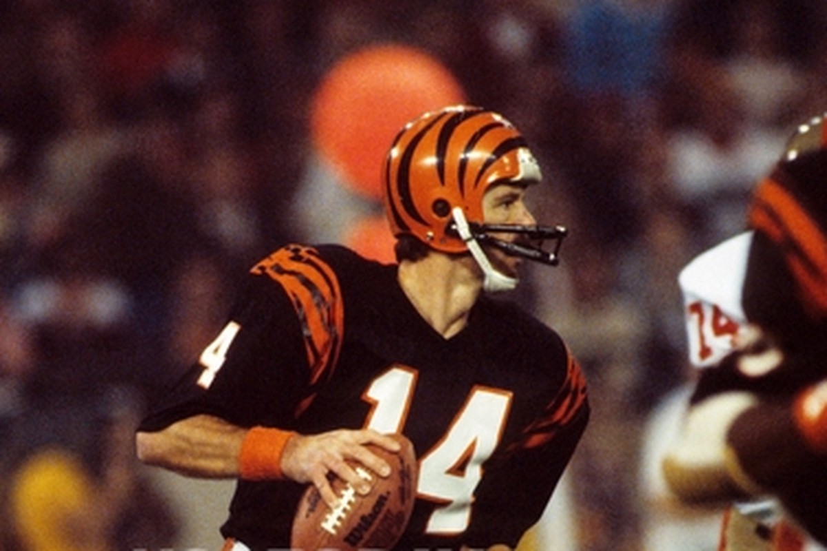 83f901589 The Greatest Quarterbacks of All Time — The 1980 s – The Read Optional