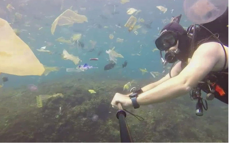 Diver's Video Shows 'Horrifying' Pollution Near Bali