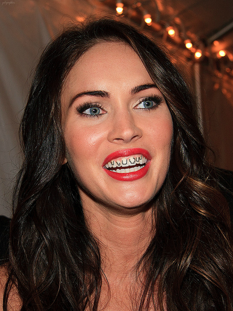 Celebrities All Have Little Real Teeth Under Their Big Fake Teeth