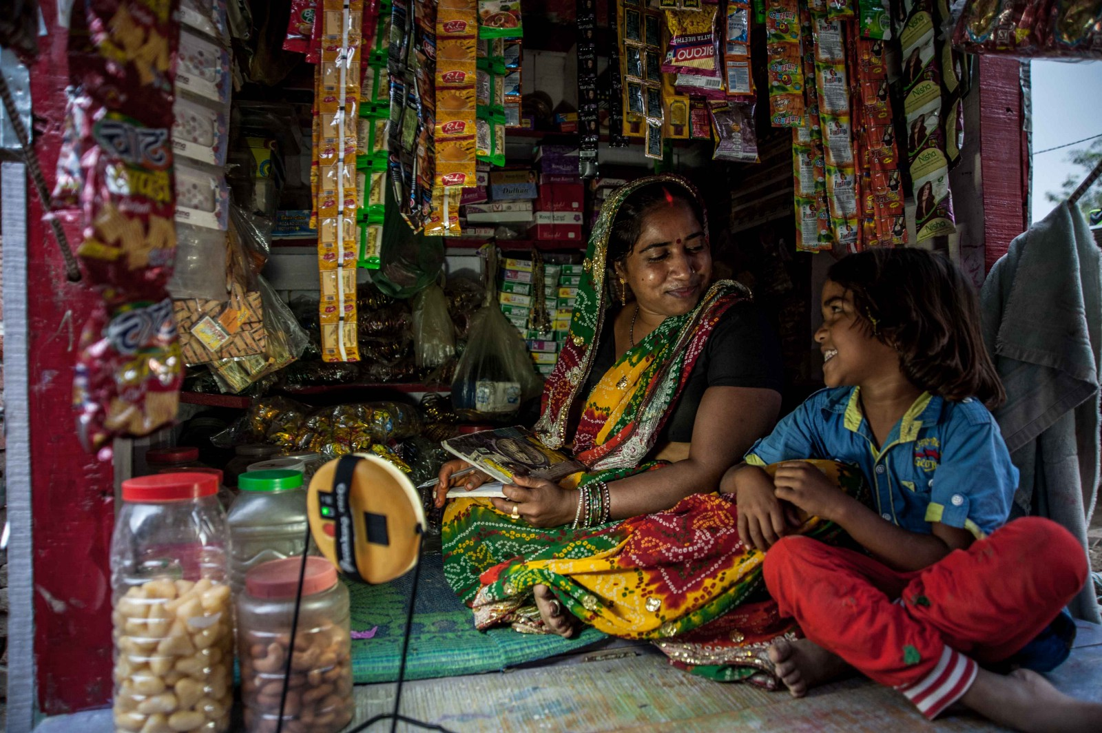 & How Lighting India Empowers Women Through Off-Grid Solar Solutions