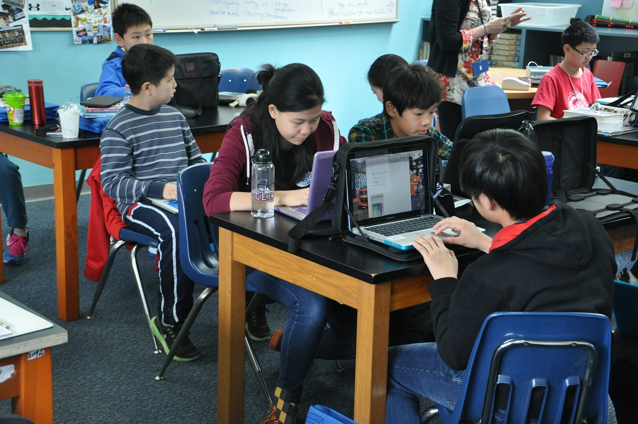How Technology Is Changing the Way Kids Do Homework