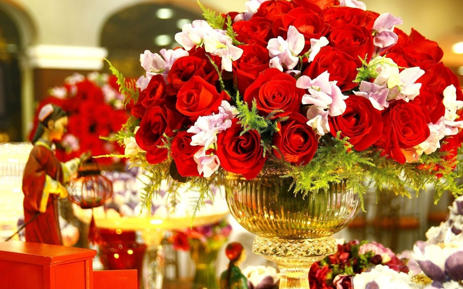 Some beautiful flowers ideas for a amazing parties miya roy medium success parties are always the matter of joy because it illustrates the hard work of a person for this single day it may take hours of sleepless nights so izmirmasajfo