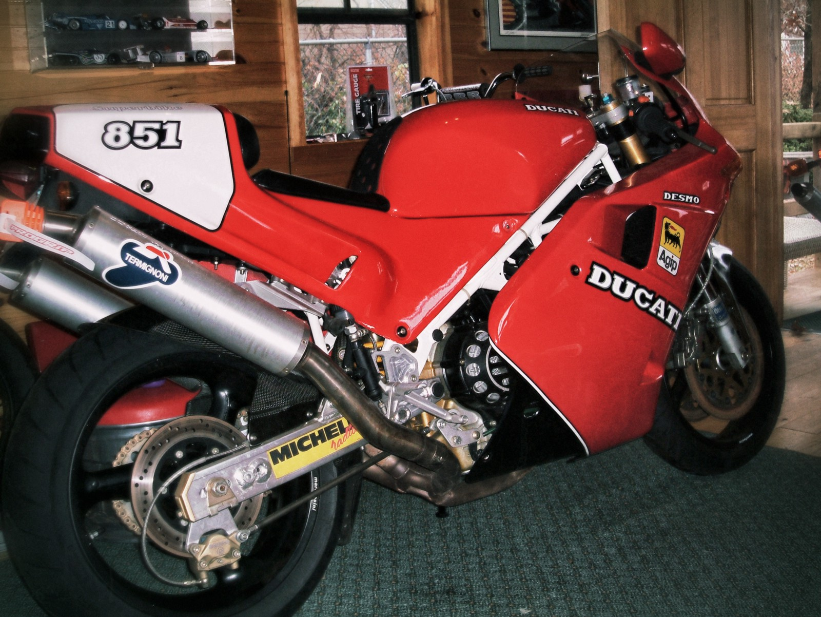 A rare motorcycle indeed: a 1991 Ducati 851 Sp3